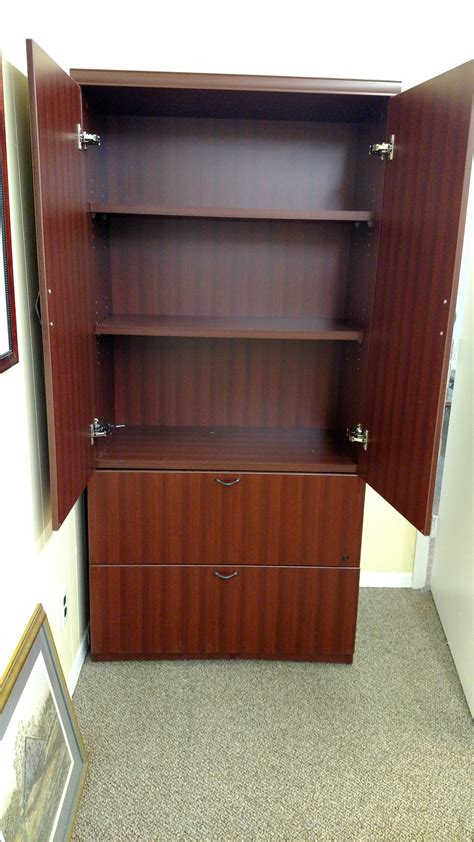 Enclosed 3 Shelf Storage Bookcase W2 Dr Lateral File