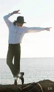Pics For > Michael Jackson Famous Poses