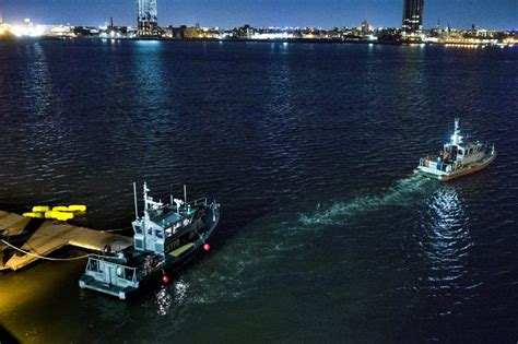 New York Helicopter Crash Into East River Leaves 5 Dead
