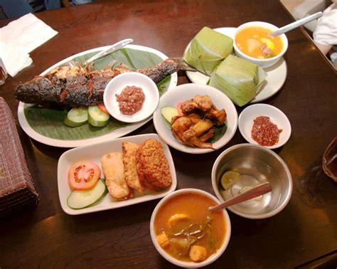 restaurant cuisine file food sundanese restaurant jakarta jpg wikimedia