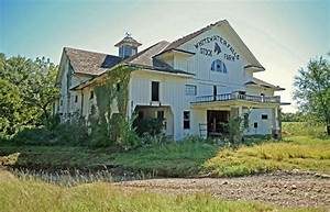 17 best images about abandoned midwest on pinterest With barn builders kansas