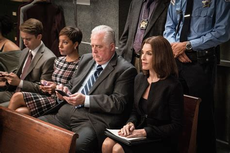 'the good wife is back and everything is crazy season 7 premiere recap the washington post