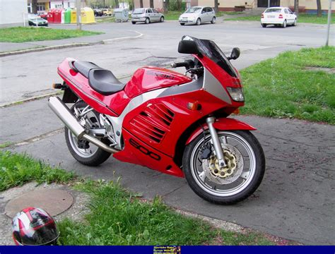 Suzuki Rf600 by 1994 Suzuki Rf 600 R Moto Zombdrive