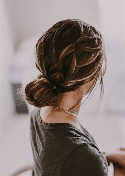 10 No Heat Hairstyles for Fall and Winter The Everygirl