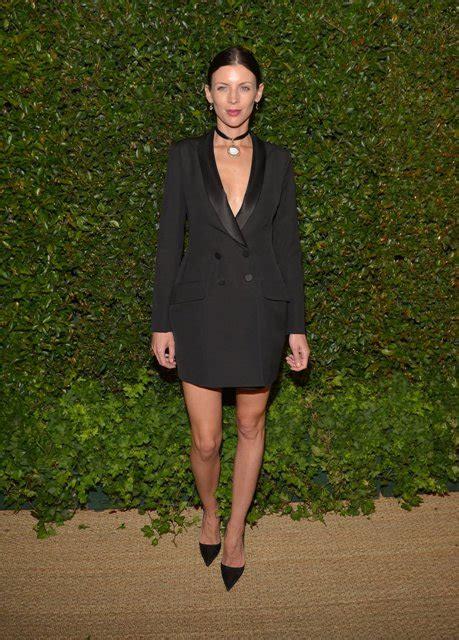 Jodi Lyn O Keefe Sexy Pics - 22 sexy blazer dress outfits for stylish girls styleoholic