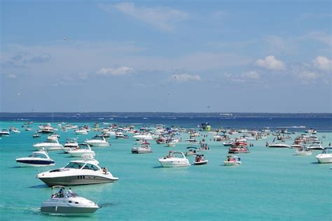 Crab Island Boat Rentals Destin Fl by Destin Florida Condos And Homes For Sale