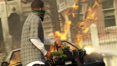GTA 5 screenshots attack innocent car with minigun, nearby