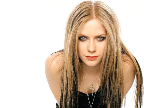 Avril Lavigne Hot Pictures, Photo Gallery & Wallpapers