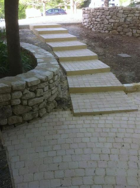amenagement entree avec escalier maison design bahbe