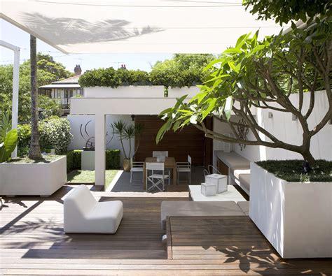 create  ultimate courtyard garden   steps