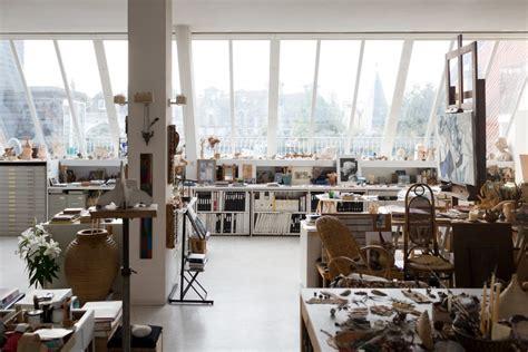studio des arts deco atelier d artiste la d 233 coration d une centenaire surprenante une hirondelle dans les tiroirs