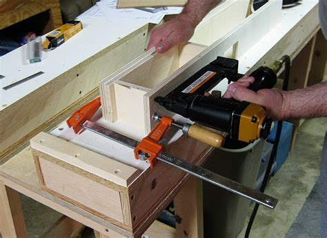 woodworking router table plans   pvc furniture