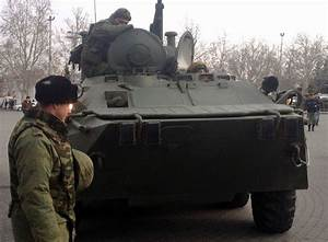 Russia moves troops along the Ukrainian border ready to ...