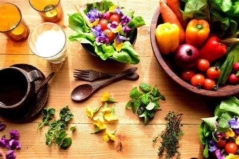 les fleurs comestibles en cuisine les fleurs comestibles 1001 façons d 39 en tirer parti