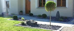 decoration entree exterieure maison exemples d39amenagements With eclairage allee de jardin 7 terrasse piscine et jardin exotique dans une maison design