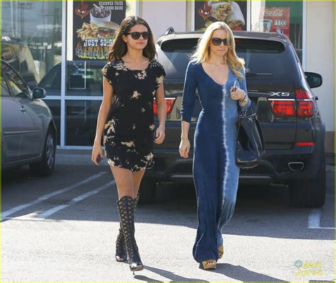 Selena Gomez Swings By Starbucks After Inspirational ...
