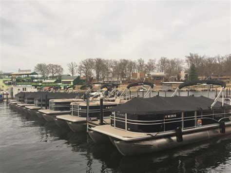 Fishing Boat Rentals Lake Of The Ozarks by Lake Of The Ozarks Boat Rental Pontoon Rental At Lake Of