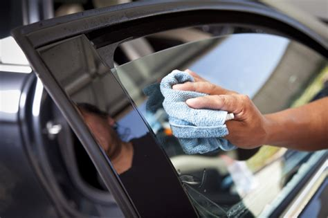 How to wash tinted car windows   Professional Carwashing