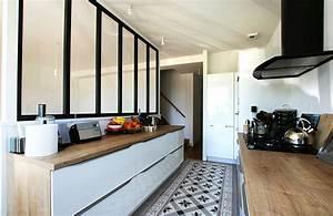 carreaux de ciment credence cuisine maison design With carrelage adhesif salle de bain avec led chute de neige
