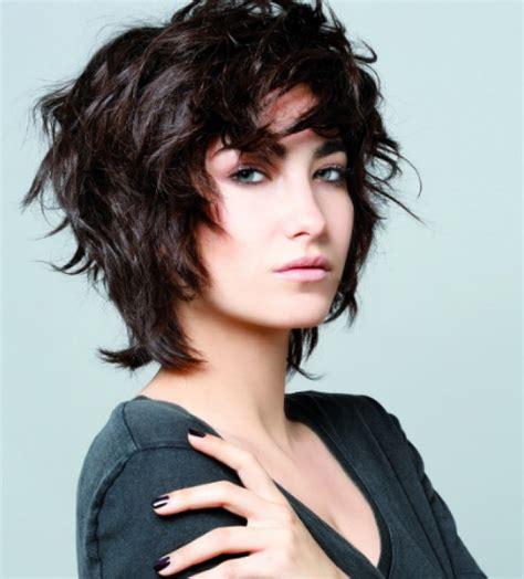 Стрижка на средние волосы 103 фото женские модные стрижки на среднюю длину тренды и новинки красивые и стильные короткие стрижки.