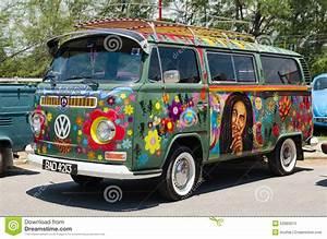 Combi Vw Hippie : volkswagen kombi stock photos royalty free images ~ Medecine-chirurgie-esthetiques.com Avis de Voitures