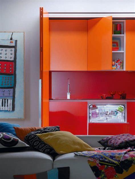 Einrichtung Kleiner Kuechemoderne Kleine Kueche In Orange by Einrichtung Kleiner K 252 Che Freshouse