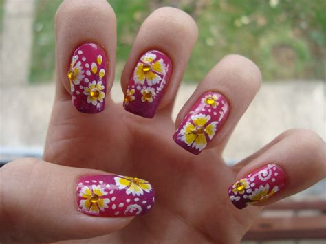19 Best And Easy Flower Nail Art Designs