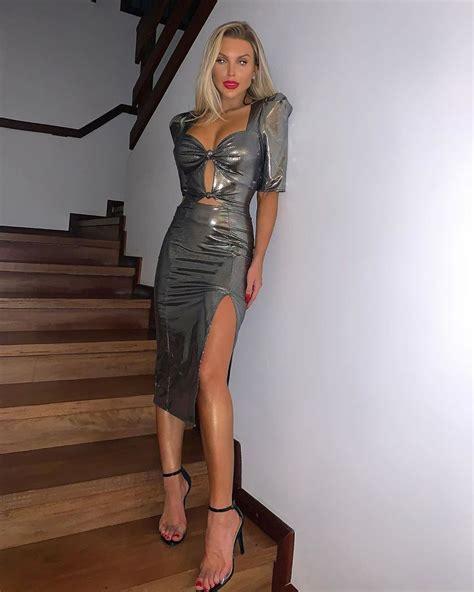 Самые красивые платья на Новый Год 2020 фото модных трендов Модный журнал