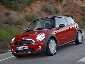 Nhtsa Investigating Mini Cooper S Models For Engine Fires