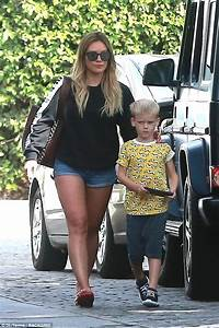 Hilary Duff shows off healthy backside out with son in LA ...