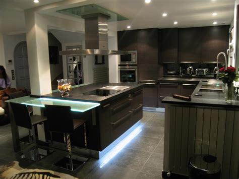 cuisine avec ilot central et bar skconcept réalisation d 39 une cuisine ouverte agencé en l