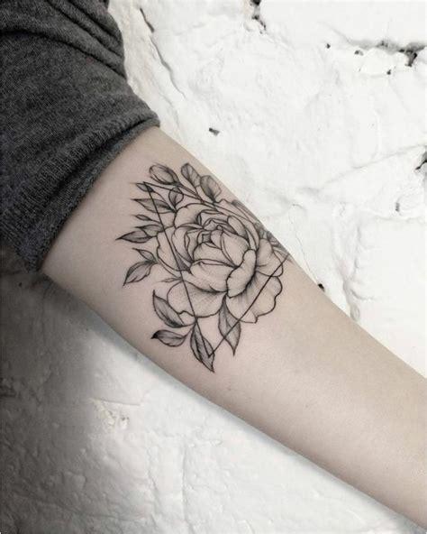 tatouage fleur de lotus poignet signification flower mandala meaning flowers