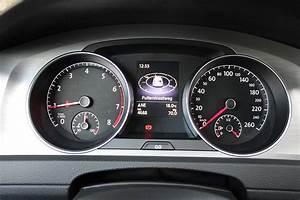 Essai Golf Sportsvan Tsi 125 : essai volkswagen golf 1 0 tsi bluemotion l 39 essence qui fait oublier le diesel ~ Medecine-chirurgie-esthetiques.com Avis de Voitures