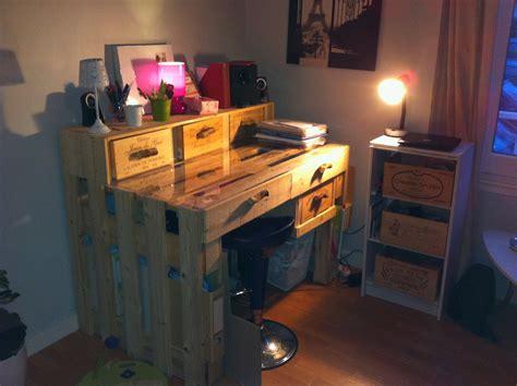 bureau palette bois un bureau en palettes margal