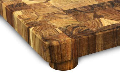 madeira teak  grain cutting board  feet cutlery
