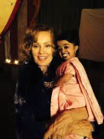 AHS Freak Show Adds World's Smallest Woman -- See Her Cute ...