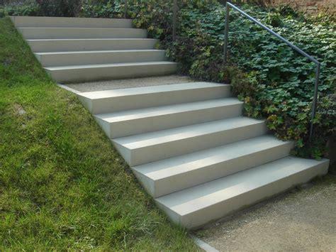 Blockstufen Beton Maße blockstufen aus beton waschbeton und betonwerkstein