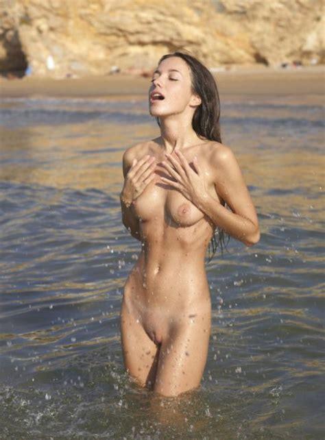 Nude Bathing Porn Pic Eporner