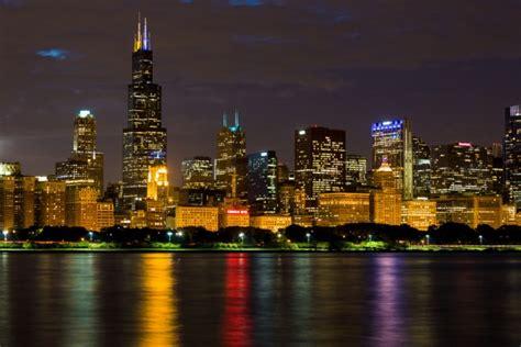 chicago skyline  night  stock photo public domain