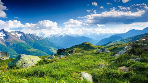 Mountains View Wallpaper