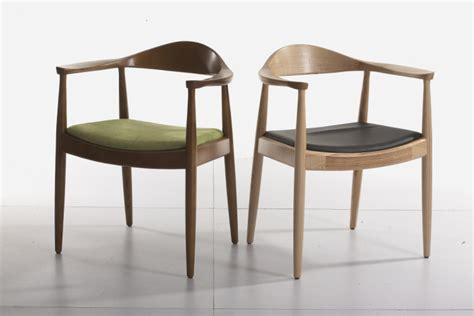 chaise avec accoudoir but kennidiming chair presidential chair designer fashion wood