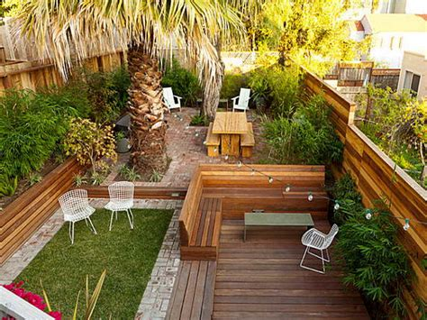Backyard Planning by 23 Small Backyard Ideas How To Make Them Look Spacious And
