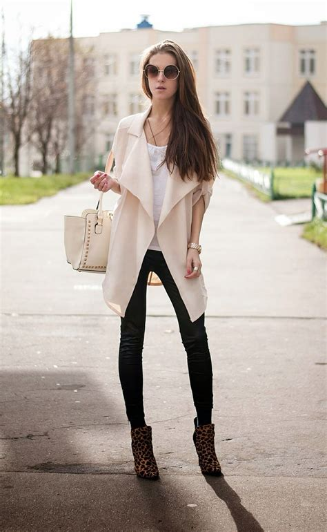 How to Wear Leggings the Right Way | Aelida