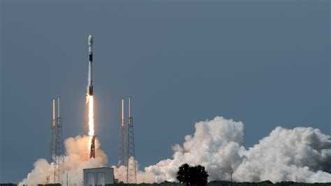 SpaceX Again Delays Launch of Internet Satellites - NBC ...