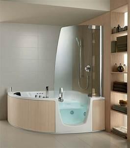 Baignoire Angle Douche : la petite baignoire d 39 angle est la princesse de votre salle de bains ~ Voncanada.com Idées de Décoration