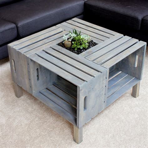 Diy wooden crate coffee table! homevolution: {DIY} Crate Coffee Table