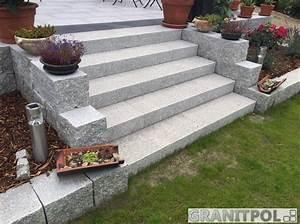 Granit Treppenstufen Außen : graue granitbl cke ~ A.2002-acura-tl-radio.info Haus und Dekorationen