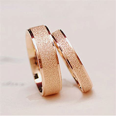 wholesale glossy 18k gold plated titanium steel jewelry