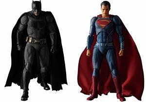 Medicom MAFEX Batman v Superman Figures - MightyMega