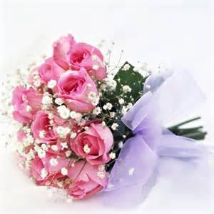 fleurs pour mariage mariage en fleurs 60 bouquets de fleurs pour une future mariée bouquet de mariée roses et